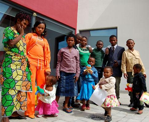 Família congolesa recebida em Portugal (Hugo Beleza)