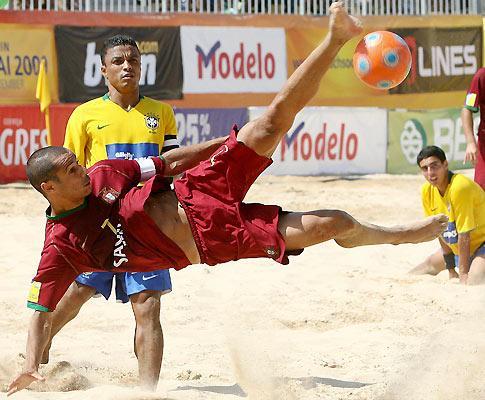 a7234a7ebf Mundial de Futebol de Praia  Portugal em terceiro com goleada ...