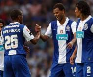Rolando festeja golo com Bruno Alves e Fernando