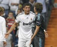 Ronaldo discute com Heinze no Real Madrid-Marselha