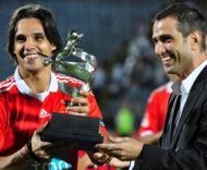 Nuno Gomes recebe o Troféu Pauleta