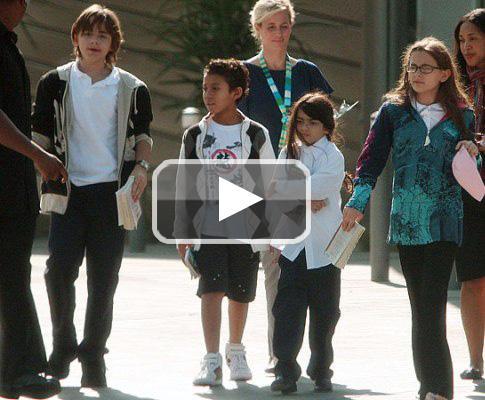 Video dos Filhos de Michael Jackson (Lux)