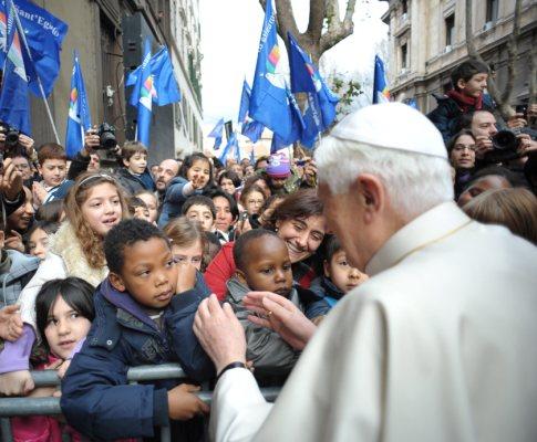 Papa quebra segurança do Vaticano