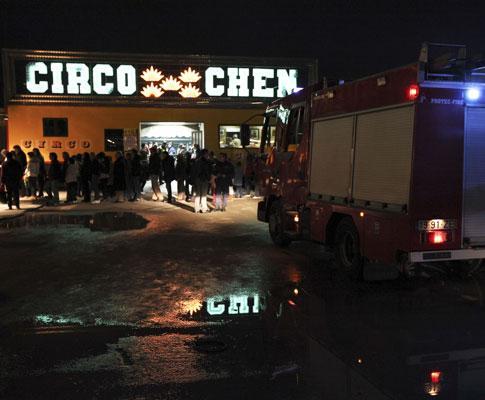 Queda de bancada do Circo Chen caiu  (MIGUEL A. LOPES/LUSA)