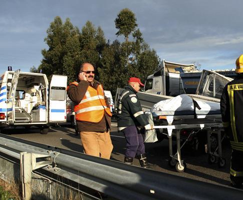A4: cinco mortos em acidente