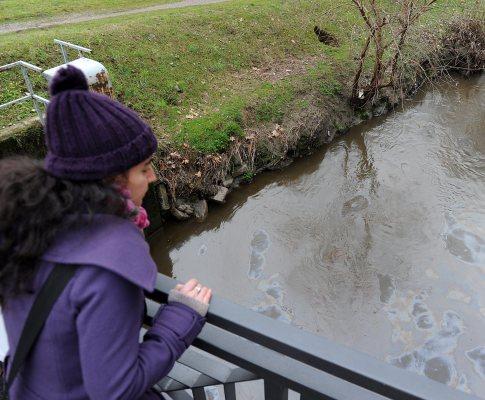 Derrame de petróleo no maior rio italiano
