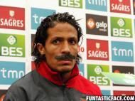 Bruno Alves de bigode