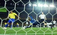 Mundial 2002: Ronaldo renasceu na final com dois golos a Kahn