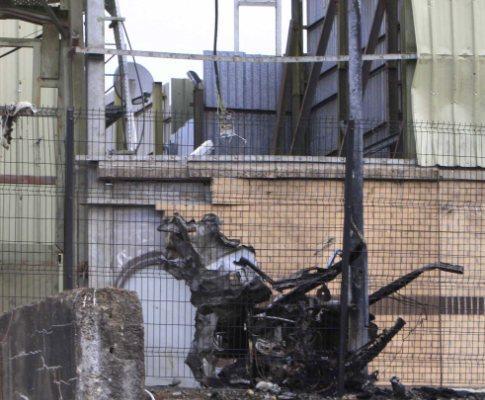 Carro armadilhado explode na Irlanda