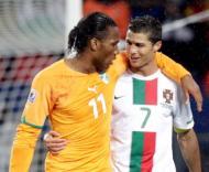 Didier Drogba e Cristiano Ronaldo (Reuters)