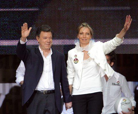 Juan Manuel Santos ganha presidenciais na Colômbia