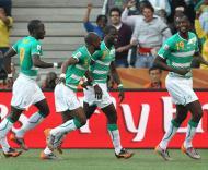 Mundial 2010: Coreia do Norte vs Costa do Marfim (EPA/LINDSEY PARNABY)
