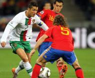 Mundial 2010: Espanha vs Portugal (EPA/MOHAMED MESSARA)