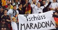 É como quem diz, «adeus Maradona»...