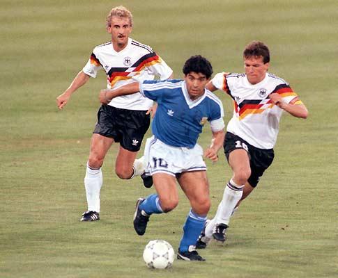 Mundial 90: Maradona na final com a Alemanha (foto Atlântico Press/Picture Alliance/DPA)