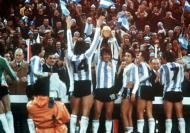 Mundial 1978: papelitos para a Argentina de Passarella (foto Atlântico Press/Picture Alliance/DPA)