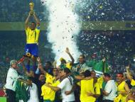 Mundial 2002: festa canarinha com Cafu, o homem das três finais