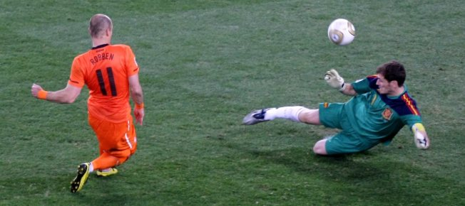 Uma das defesas mais famosas da carreira de Casillas efa3dfa5427d9