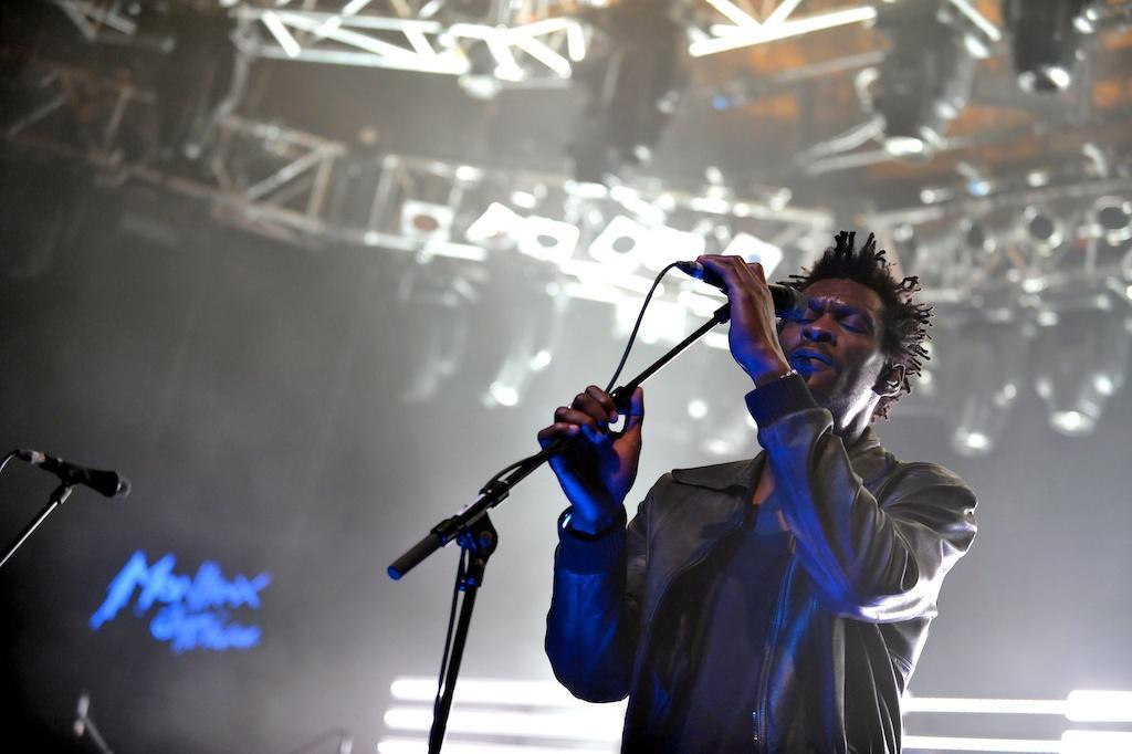 Massive Attack no Montreux Jazz Festival 2010 (EPA/JEAN-CHRISTOPHE BOTT)