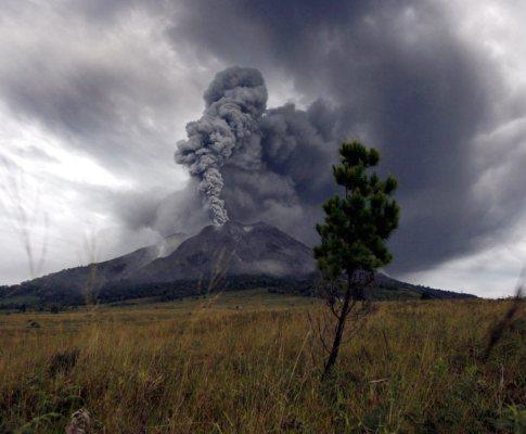 Vulcão em Samatra