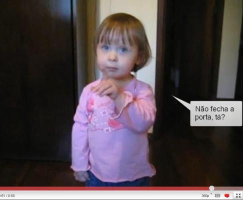 Isabela indignada por lhe fecharem a porta (fonte: youtube)