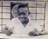 Pelé assinou pelo Santos com 15 anos (Foto: Santos Futebol Clube)