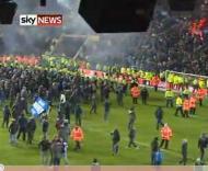 Invasaão de campo no Birmingham-Aston Villa