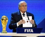 Dezembro: FIFA decide, Mundial 2018 na Rússia, Mundial 2022 no Qatar