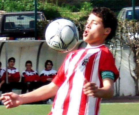 Conheça o jovem do Louletano que chamou a atenção da FIFA ... 5fa1e7796c552