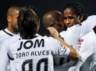 V. Guimarães festeja golo sobre Merelinense