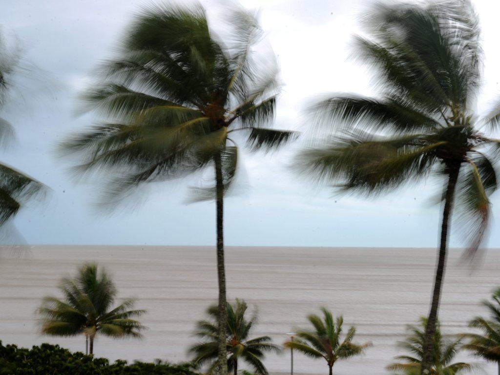 Ciclone na Austrália atinge Queensland,  (EPA/DAVE HUNT)