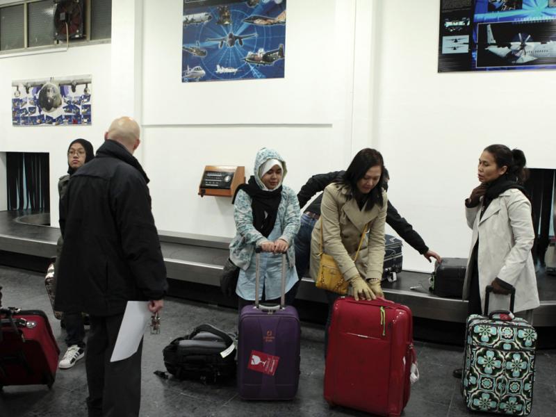 Chegada a Portugal de cidadãos portugueses e estrangeiros, que abandonaram o EgiPto a bordo de um avião  C-130, da força aérea portuguesa