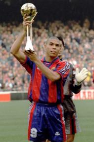 Ronaldo, melhor do Mundo em 1996, com Baía