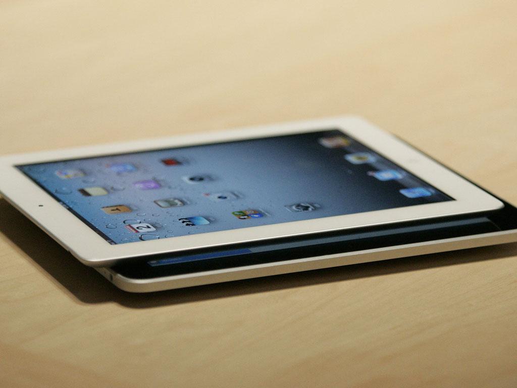 Jobs apresenta iPad 2 (EPA/MONICA M. DAVEY)