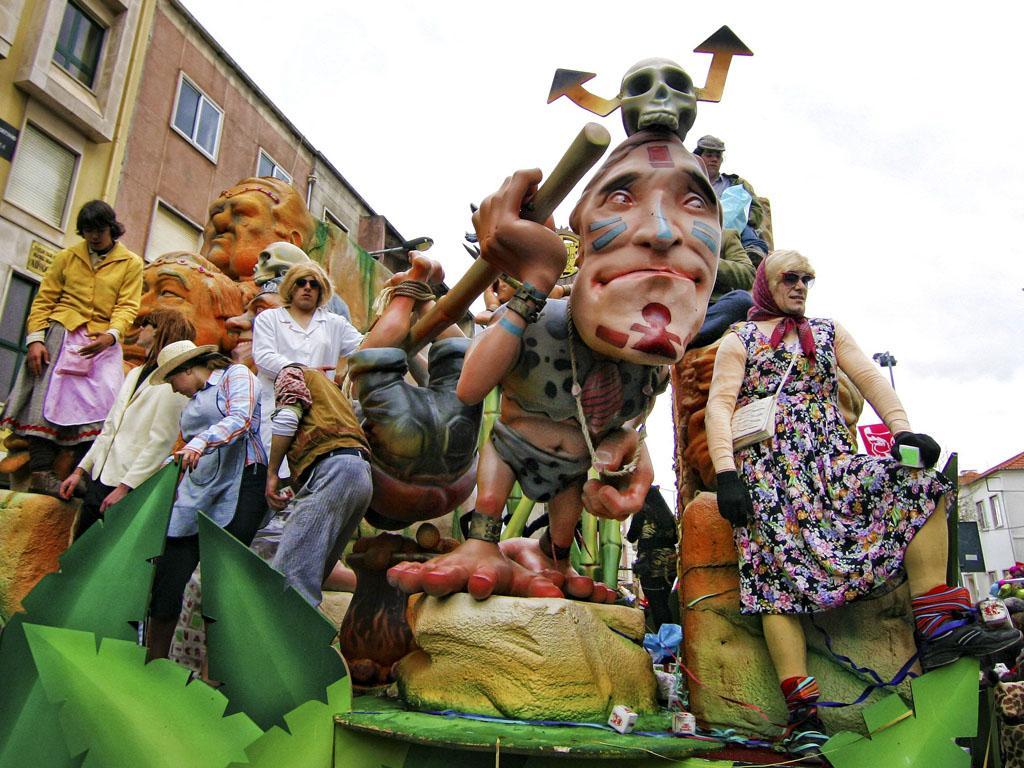 Carnaval em Torres Vedras ( MARIO CALDEIRA/LUSA )
