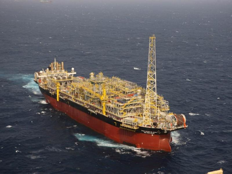 Plataformas petrolíferas: navio substituto