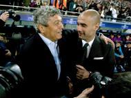 Guardiola e Mircea Lucescu (EPA/Alejandro Garcia)