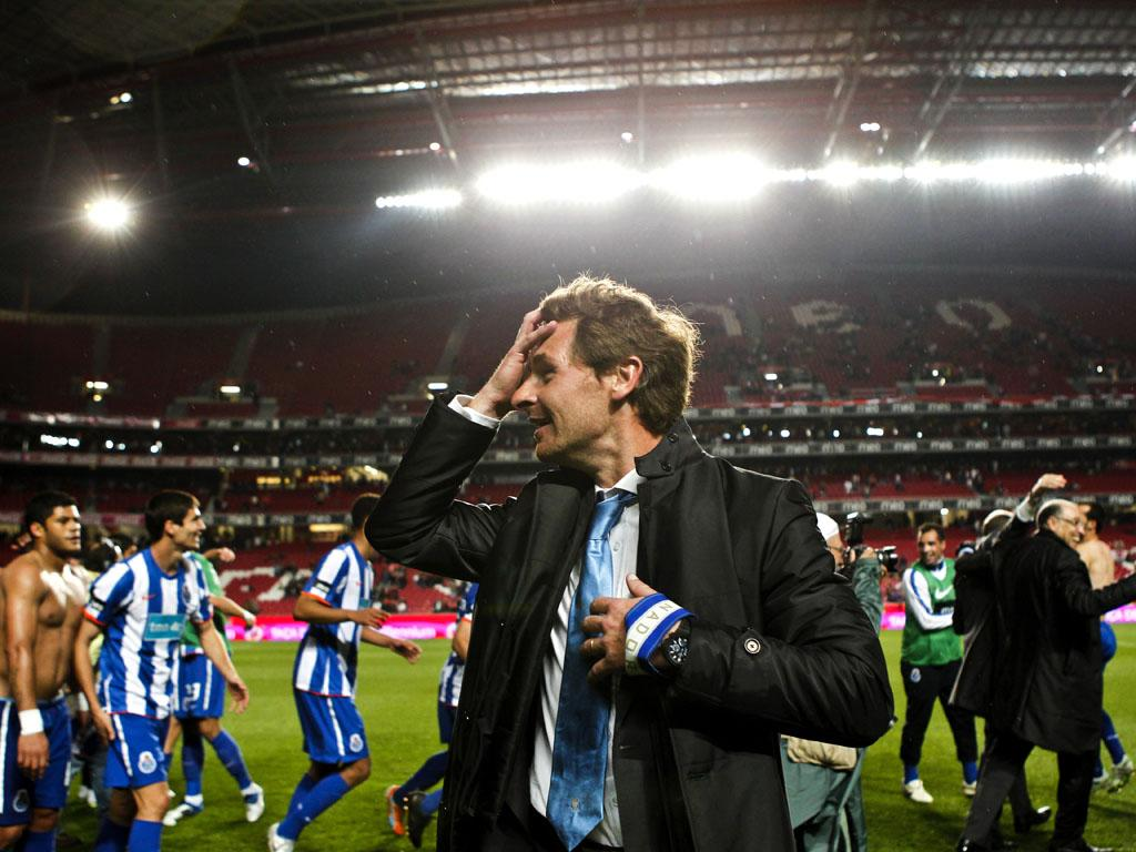 André Villas Boas treinador do FC Porto festeja na Luz (JOSÉ SENA GOULÃO/LUSA)