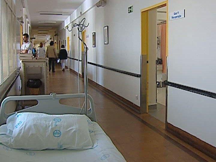 Hospitais perto da ruptura de stocks