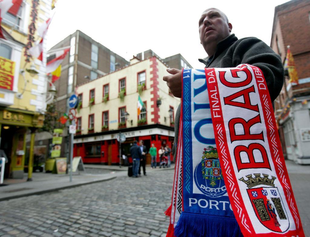 Adeptos portugueses nas ruas de Dublin (JOSE COELHO/ LUSA)