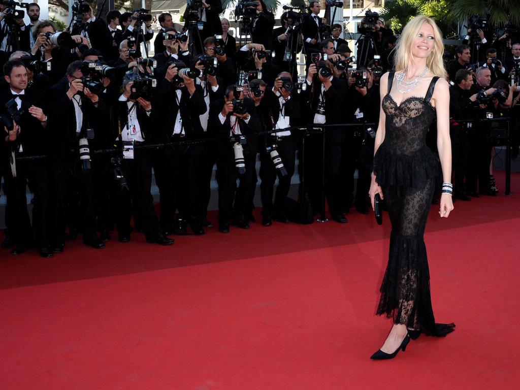 Claudia Schiffer no Festival de Cannes (Lusa/EPA/CHRISTOPHE KARABA)