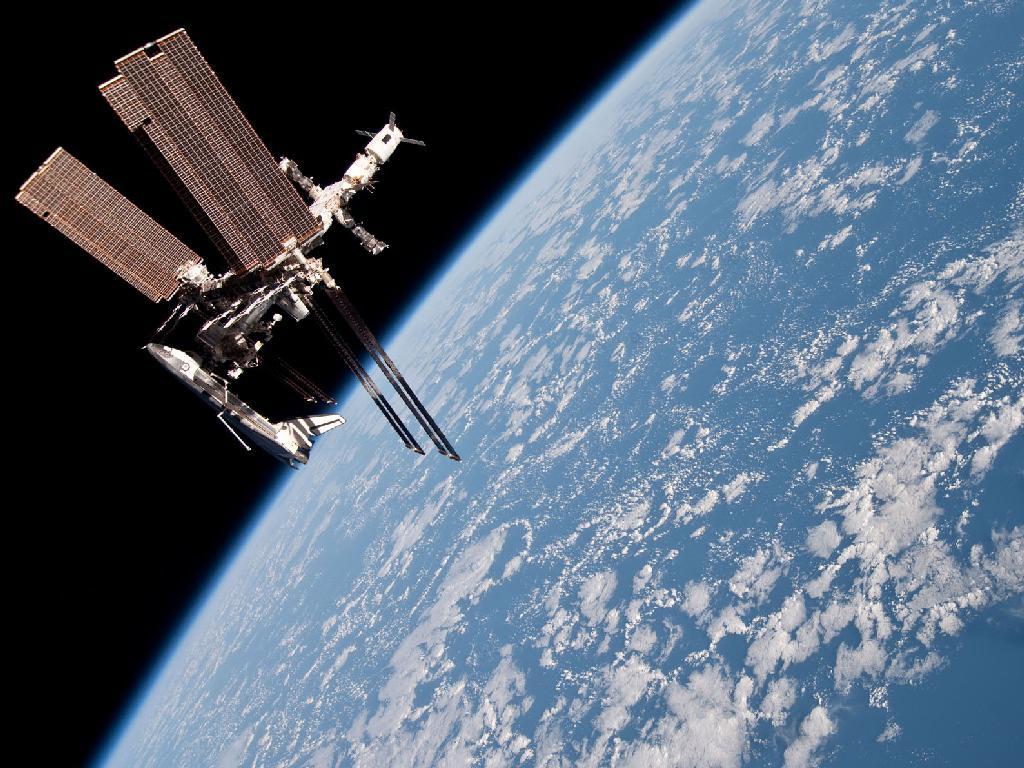 Vaivém Endeavour acoplado à Estação Espacial Internacional (NASA)