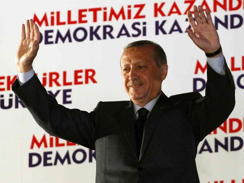 Turquia: partido de Erdogan vence eleições (Umit Bektas/Reuters)