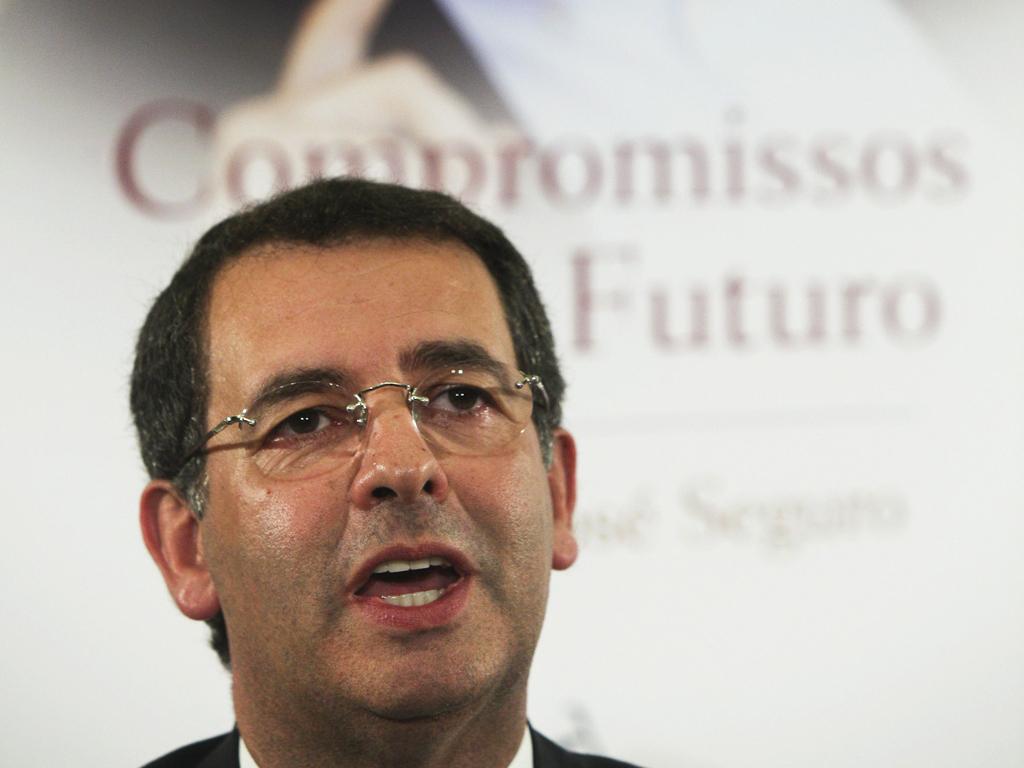 Seguro e Soares na apresentação do livro do candidato socialista (Miguel A. Lopes)