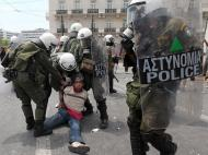 Grécia a ferro e fogo - EPA/ORESTIS PANAGIOTOU
