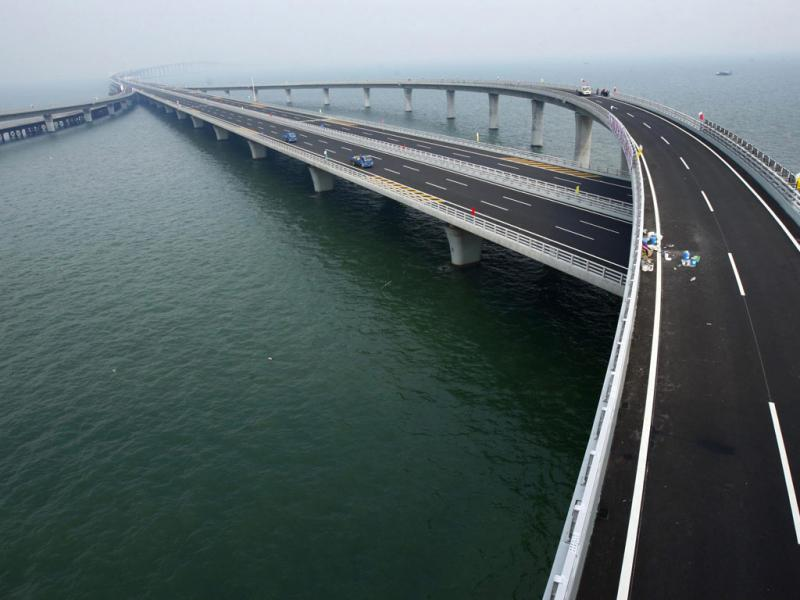 China inaugura maior ponte do mundo ( Reuters)