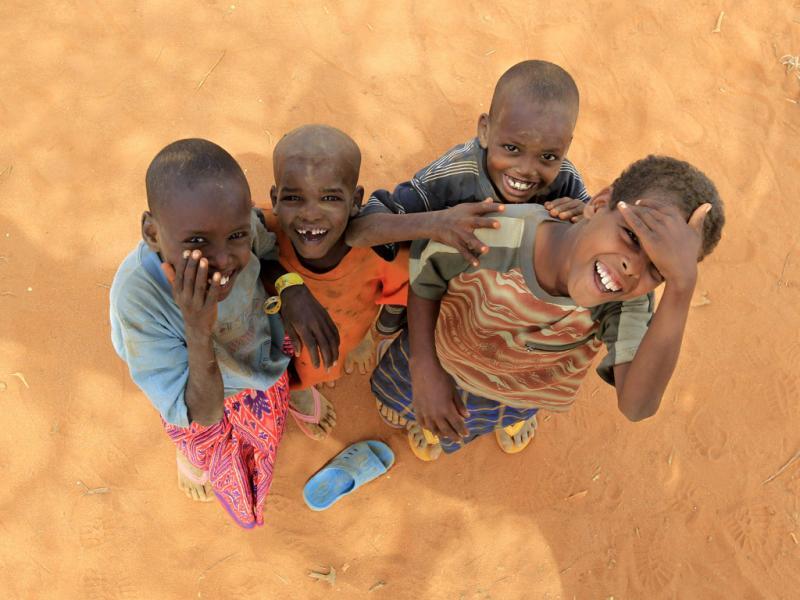 Crianças da Somália no campo de refugiados de Dadaab, no Quénia (Thomas Mukoya/Reuters)