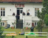 Atentados em Oslo - buscas na ilha [EPA]