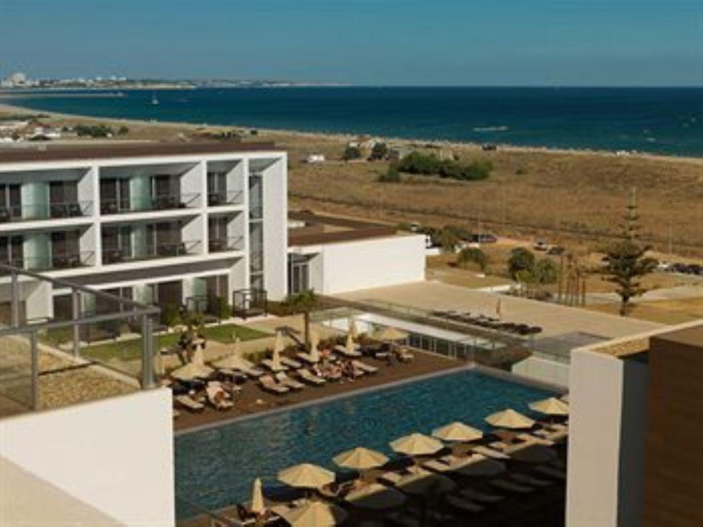 Yellow Lagos Meia Praia - Novo hotel de cinco estrelas com acesso privilegiado às praias algarvias