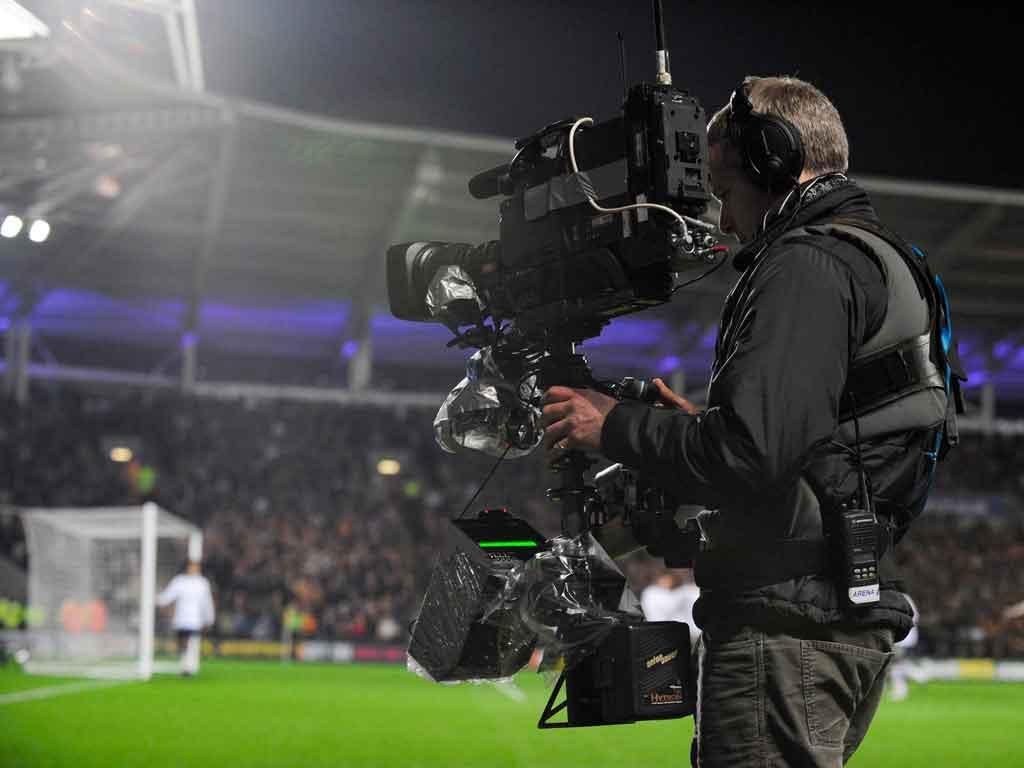Transmissões de futebol na TV (foto Reuters)